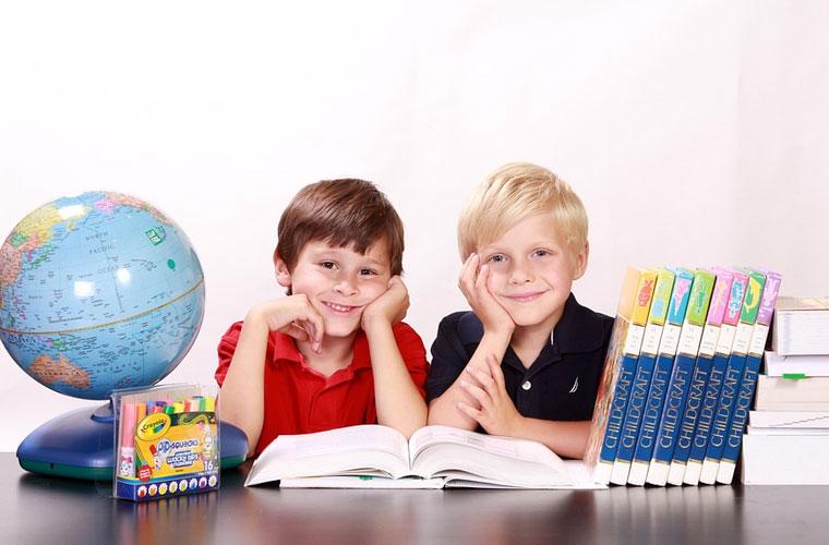 江口县职业中学助产专业难吗